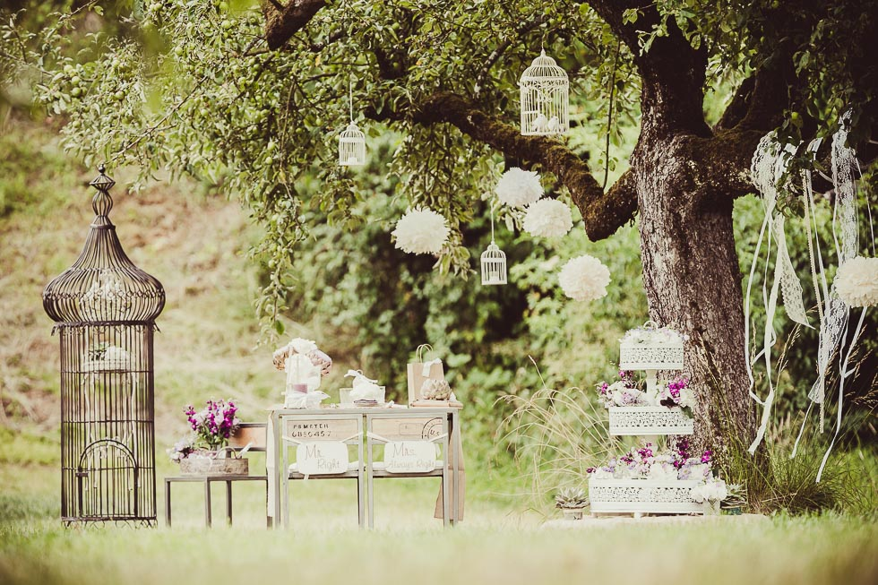 Styled Shooting - Vintage Garden