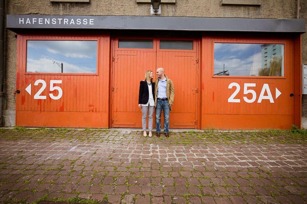 Verlobungsfotoshooting im Rheinhafen Basel, projectphoto.ch