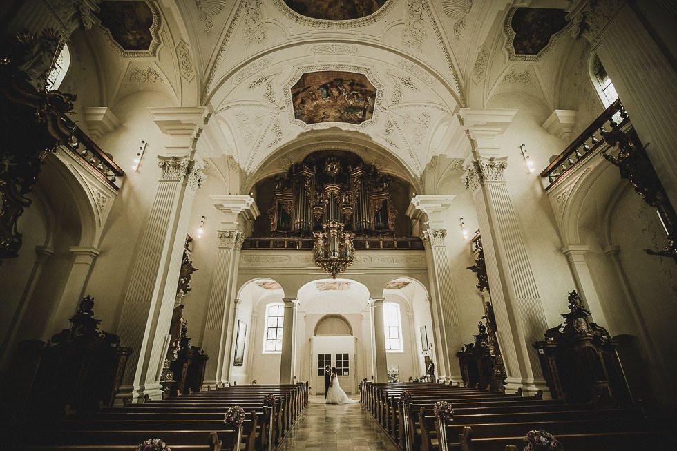 Hochzeit mit Heliflug -Klosterinsel Rheinau - projectphoto.ch