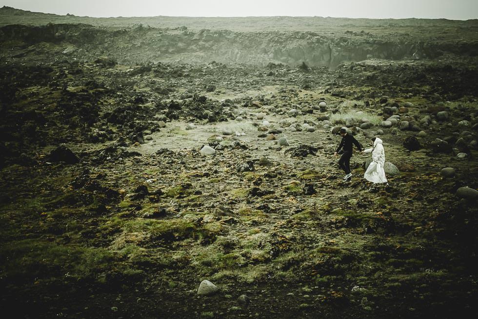 wedding anniversary & elopement photoshoot in iceland - Hochzeitsjubiläum in Island - projectphoto.ch