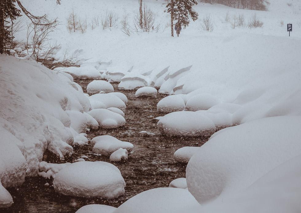 winter engagement photo shoot in tyrol austria - projectphoto